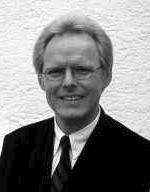 Dr. Helge Stadelmann